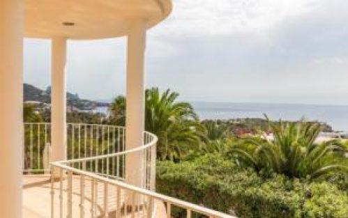 Luxe Villa Cala Tarida Ibiza voor 6 personen